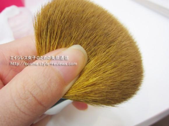 ベアミネラル カブキブラシの毛質