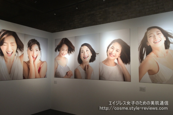 NUDE SMILE BEAUTY Photo by 篠山紀信の会場風景